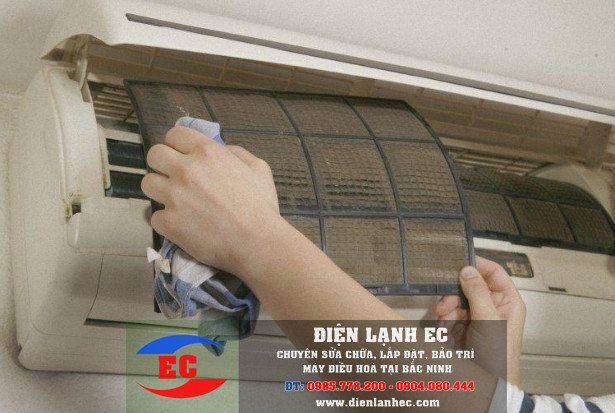 Vì sao điều hòa bị chảy nước ở cục lạnh, Tại sao máy lạnh chảy nước ở cục nóng